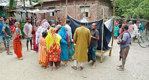 2 Joypurhat farmers killed by lightning; 4 injured