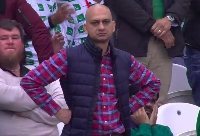 'Disappointed' Pakistani fan's meme