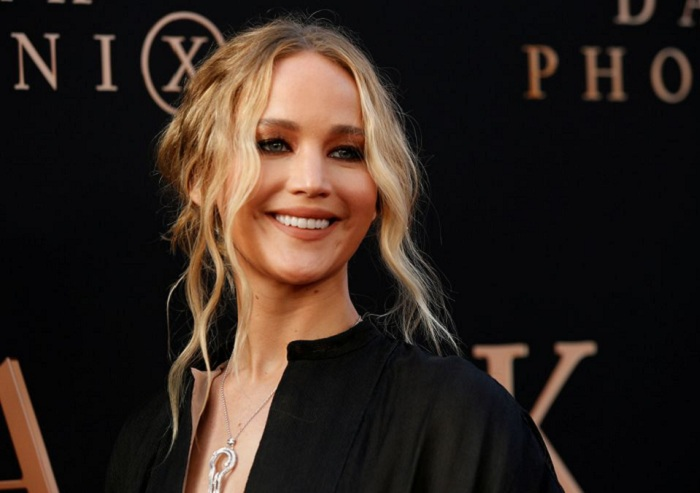 """Actor Jennifer Lawrence poses at the premiere for the film """"Dark Phoenix"""" in Los Angeles, California, US, June 4, 2019. File Photo: Reuters/Mario Anzuoni"""