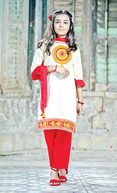 Durga Puja finds kids in ethnic look