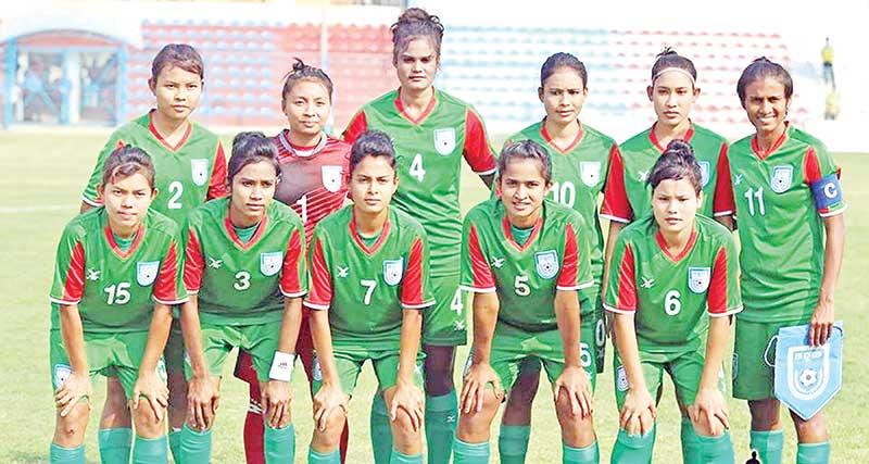 Women's football team to play friendly match Sunday