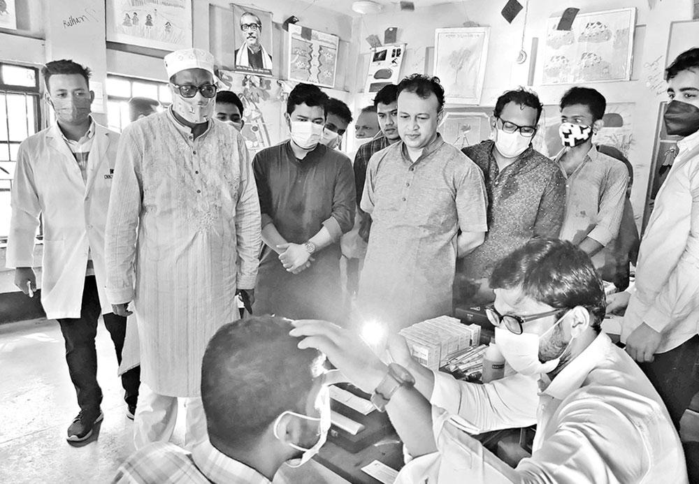 Free eye care service organised by Optometrist Association